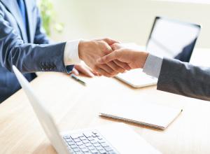 信頼頂ける運営事業者を紹介するイメージ